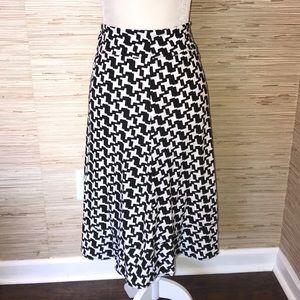 DKNY medium knit midi skirt black & white EUC